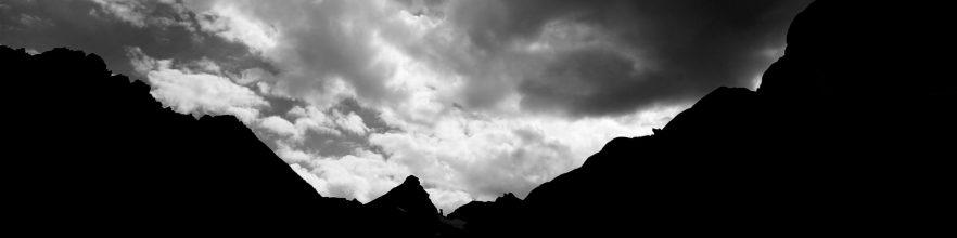 cropped-silouhetter-i-peaks2.jpg